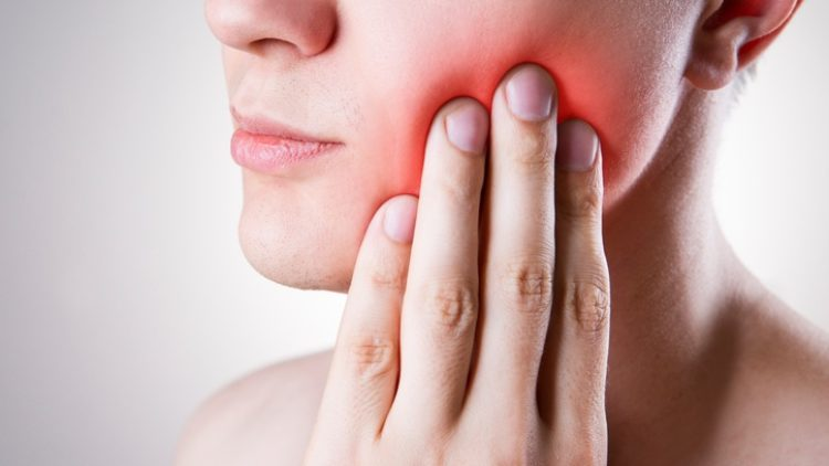 5 Ways to Treat Hot and Cold Tooth Sensitivity
